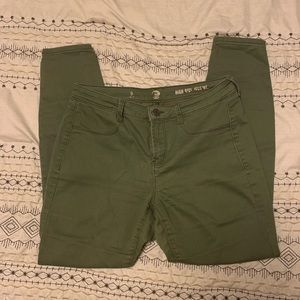 Olive Cropped Pants